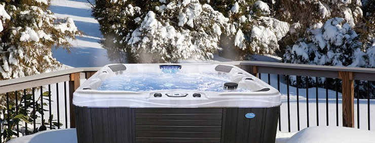 How to Enjoy a Hot Tub During Every Season of the Year