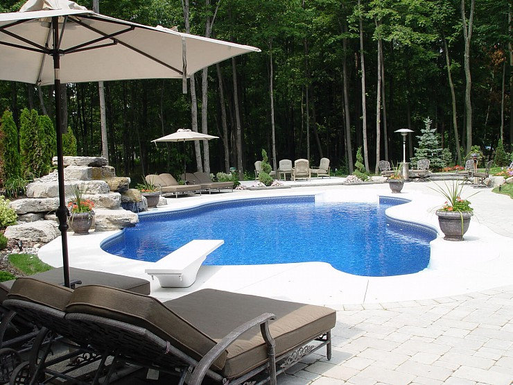 Pool Landscaping Tips: 5 Ideas to Increase Appeal