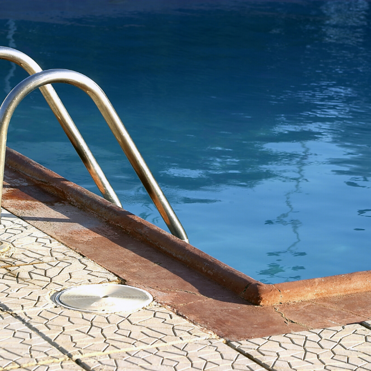 What to Look for When Hiring a Pool Builder