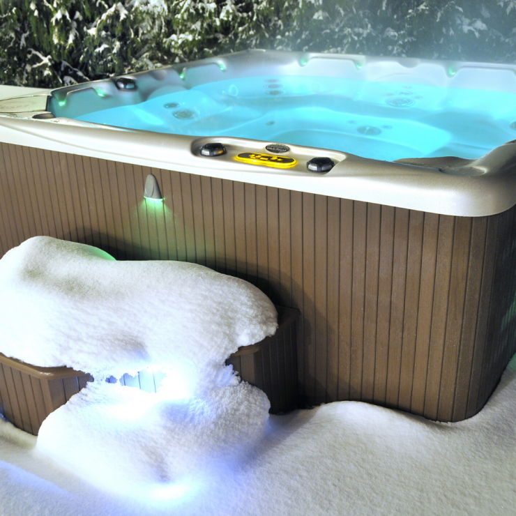 Winter Hot Tub Care: Do's & Don'ts